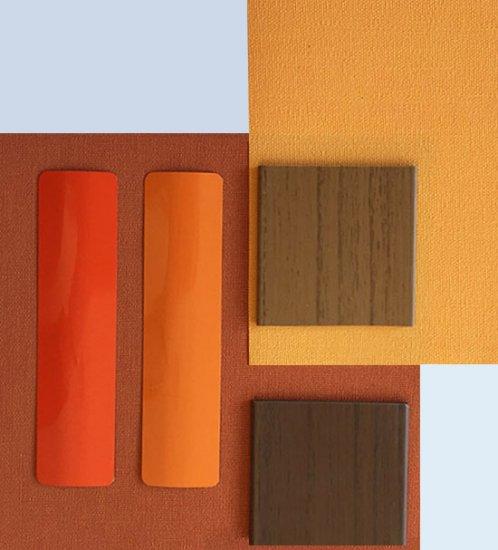 Warme kleuren met aluminium jaloezieën of vouwgordijnen